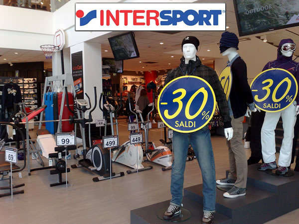 SCHAUFENSTERPUPPEN INTERSPORT